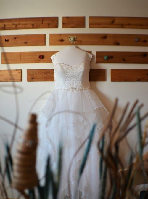 Free stock photo of blurred, cute, wedding, wedding dress