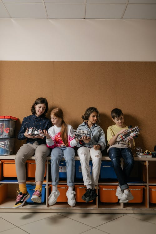 Foto profissional grátis de adolescentes, adulto, agrupar