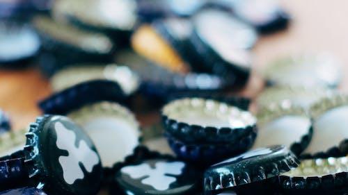 Fotobanka sbezplatnými fotkami na tému čiapka, farby, kov, malý