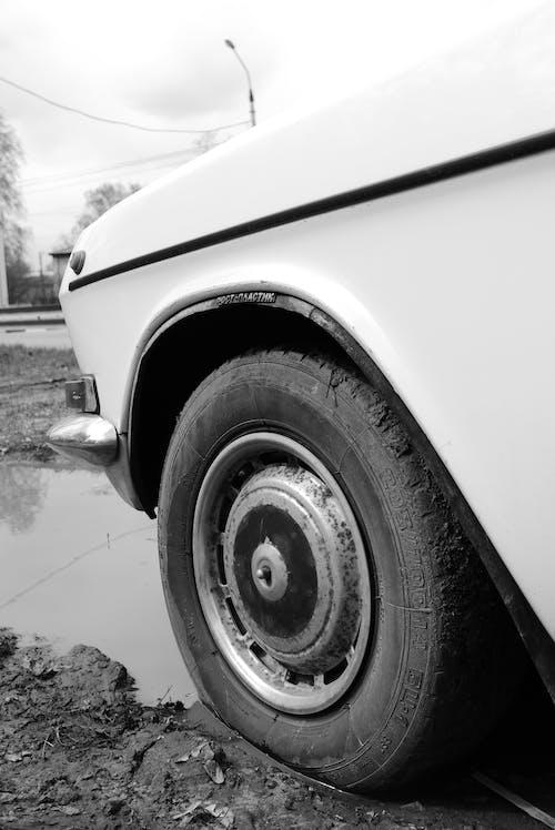 Δωρεάν στοκ φωτογραφιών με ασπρόμαυρο, αυτοκίνητο, γκρο πλαν