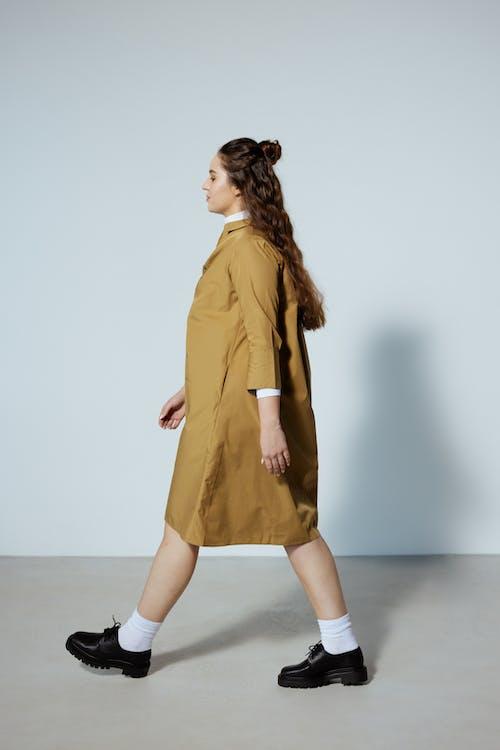 Gratis lagerfoto af fashionabel, fra siden, kvinde