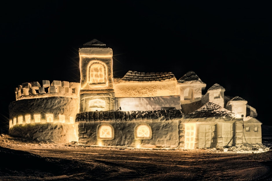 Beige Castle Themed Lamp