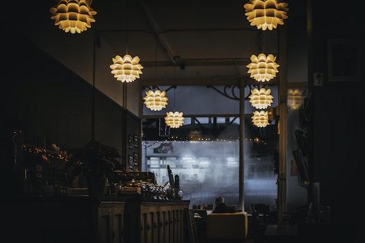 Kostenloses Stock Foto zu restaurant, beleuchtung, lampen, business