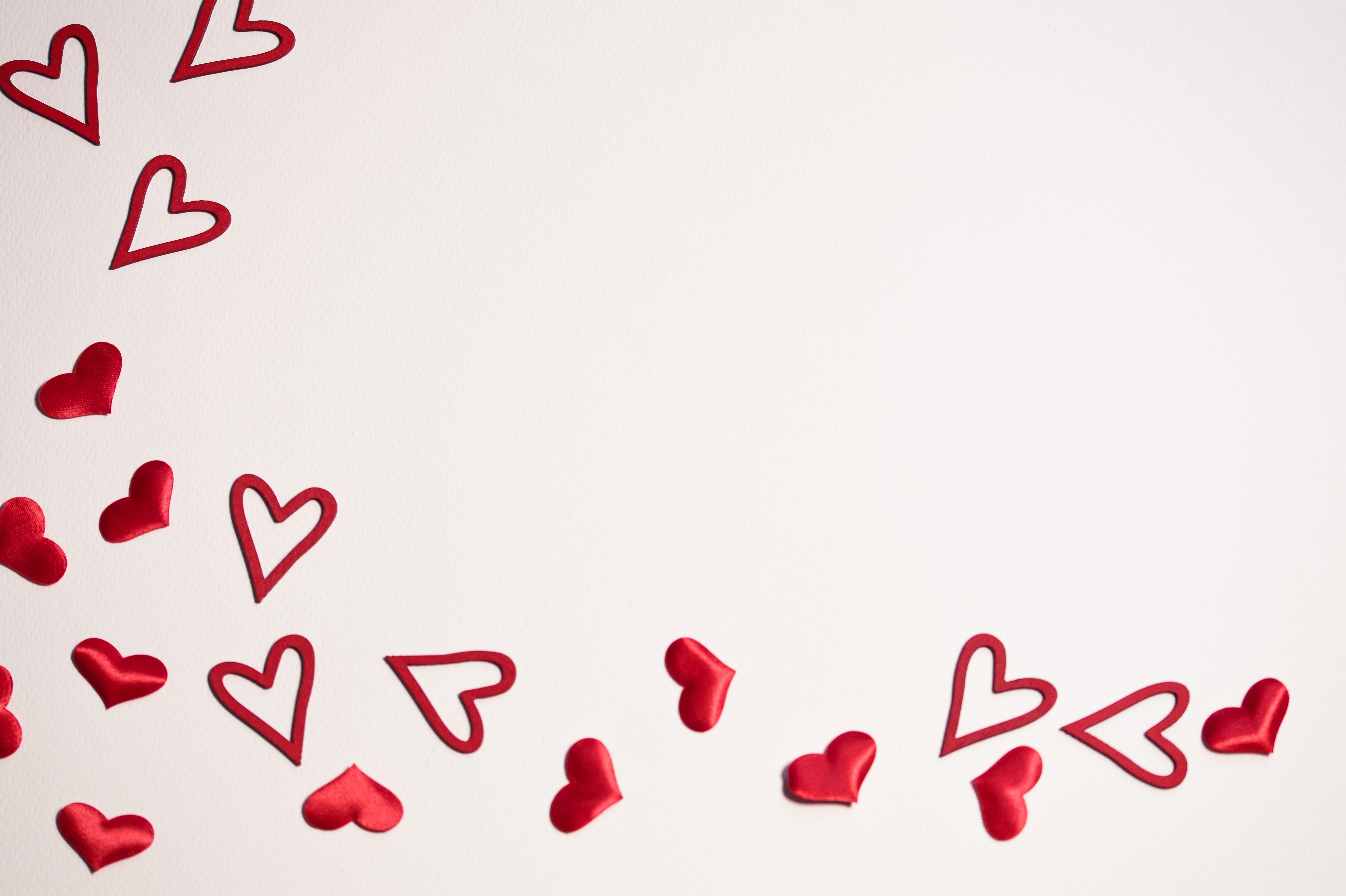 Mini Red Hearts Wallpaper
