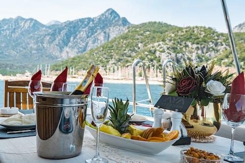 Бесплатное стоковое фото с бутылка шампанского, вино, вода