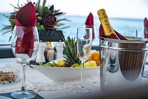 Бесплатное стоковое фото с бутылка шампанского, вечеринка, вино