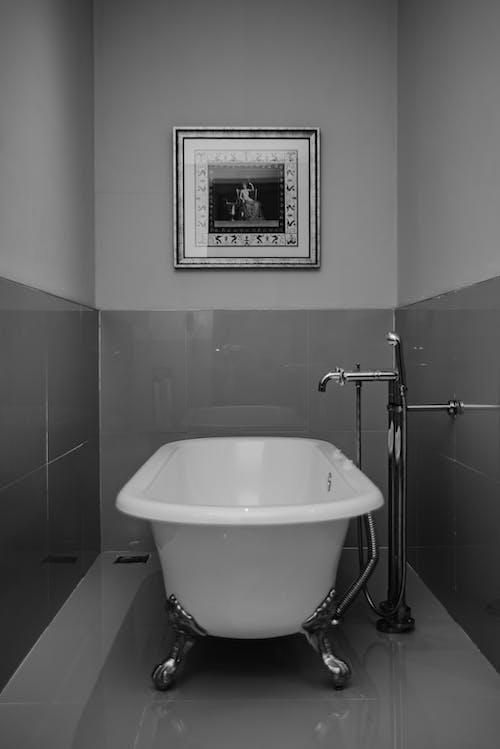 Безкоштовне стокове фото на тему «ванна, ванна кімната, віддзеркалення»