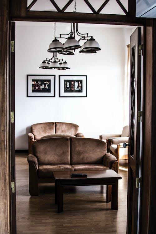 Darmowe zdjęcie z galerii z brązowy, czysty, dom, drewniana podłoga