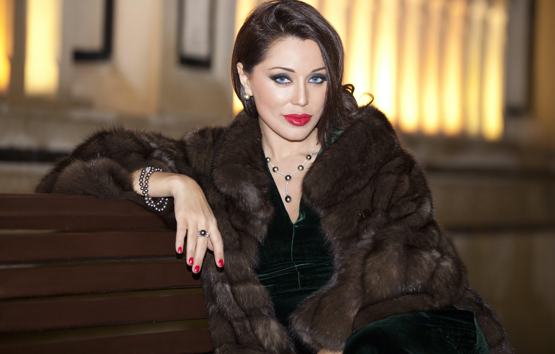 Free stock photo of Azerbaijan, azeri woman, Baku, fur