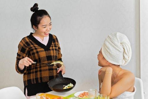 Ingyenes stockfotó asztal, ázsiai nők, barát témában