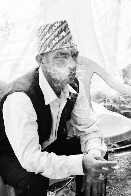 Gratis stockfoto met bejaarde man, bnw fotografie, bnw portret