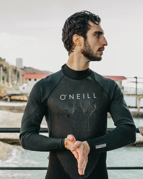Kostenloses Stock Foto zu aussehen, badeanzug, bart