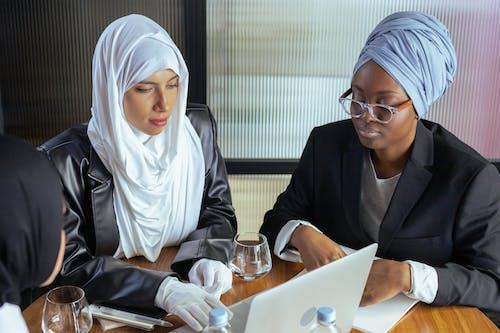 Free stock photo of coworkers, diversity, eyeglasses