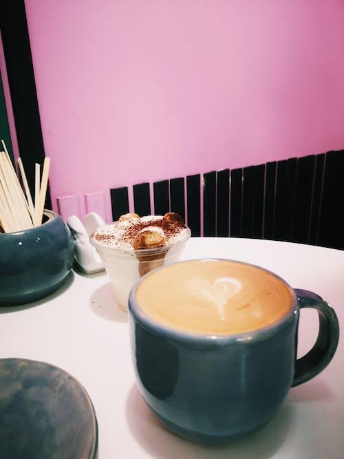 Kostenloses Stock Foto zu cappuccino, gebrühter kaffee