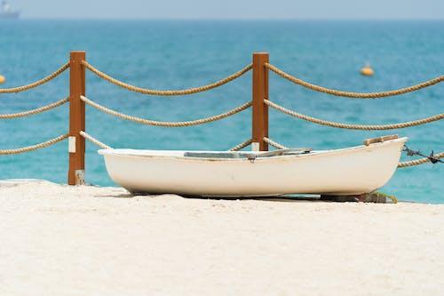 Fotos de stock gratuitas de agua, arena, barca