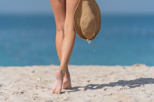 Fotos de stock gratuitas de agua, arena, bikini