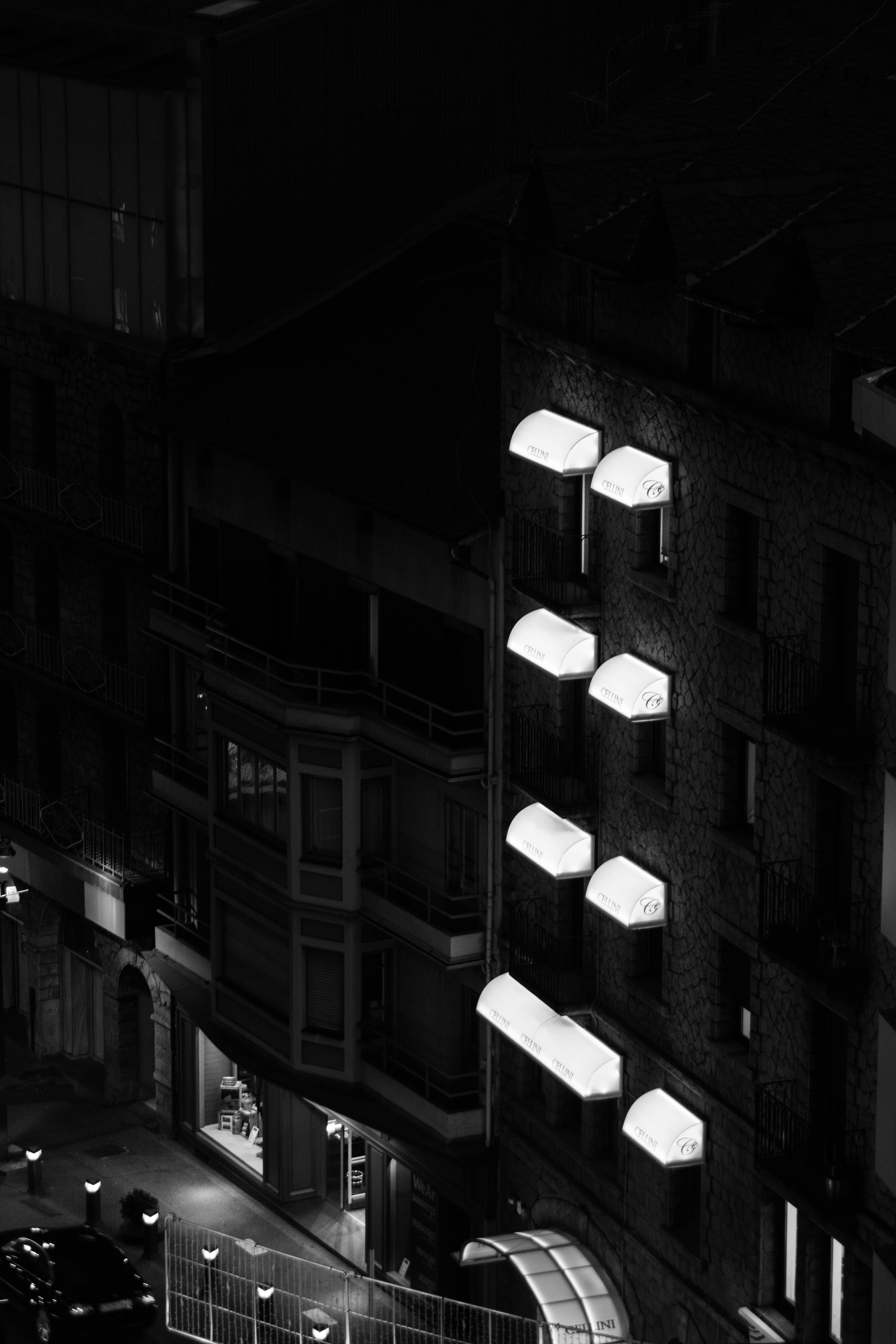 Free stock photo of batiment, building, night, nuit