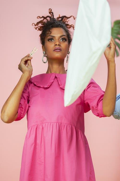 Kostenloses Stock Foto zu begrifflich, farbige frau, fashion