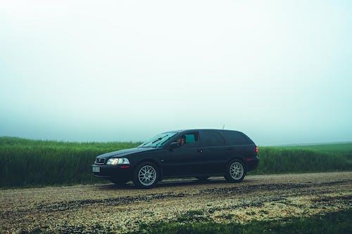 Kostenloses Stock Foto zu außerorts, auto, automobil