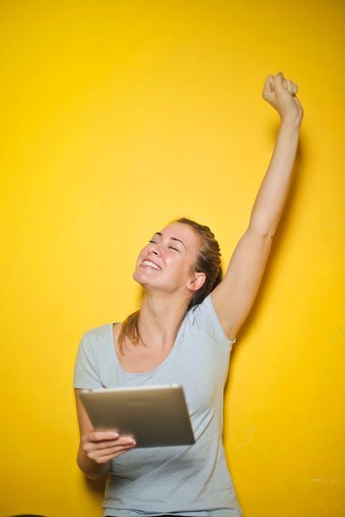 Free stock photo of blond, businesswoman, caucasian, cheerfulness