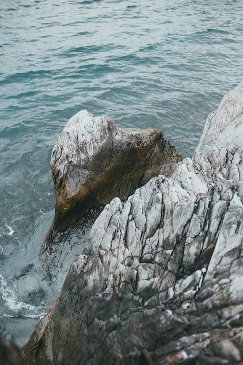 Darmowe zdjęcie z galerii z fala, kamień, krajobraz
