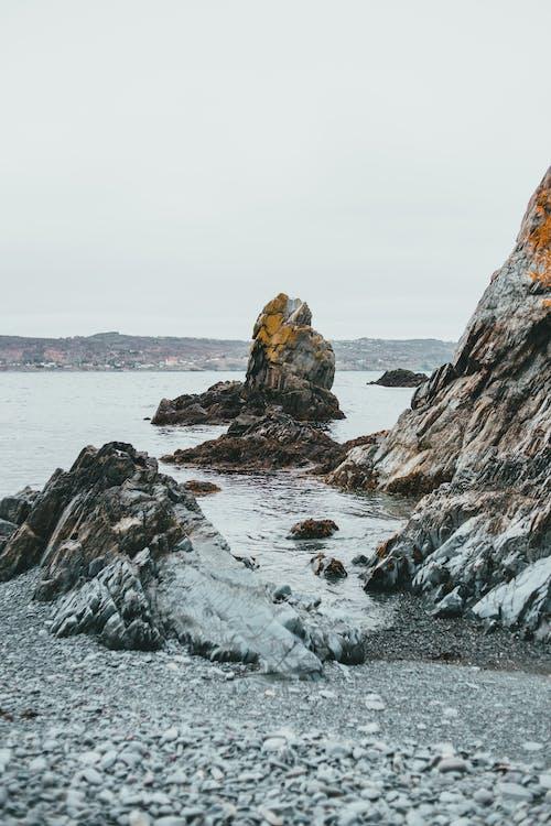 Darmowe zdjęcie z galerii z jezioro, kamień, krajobraz