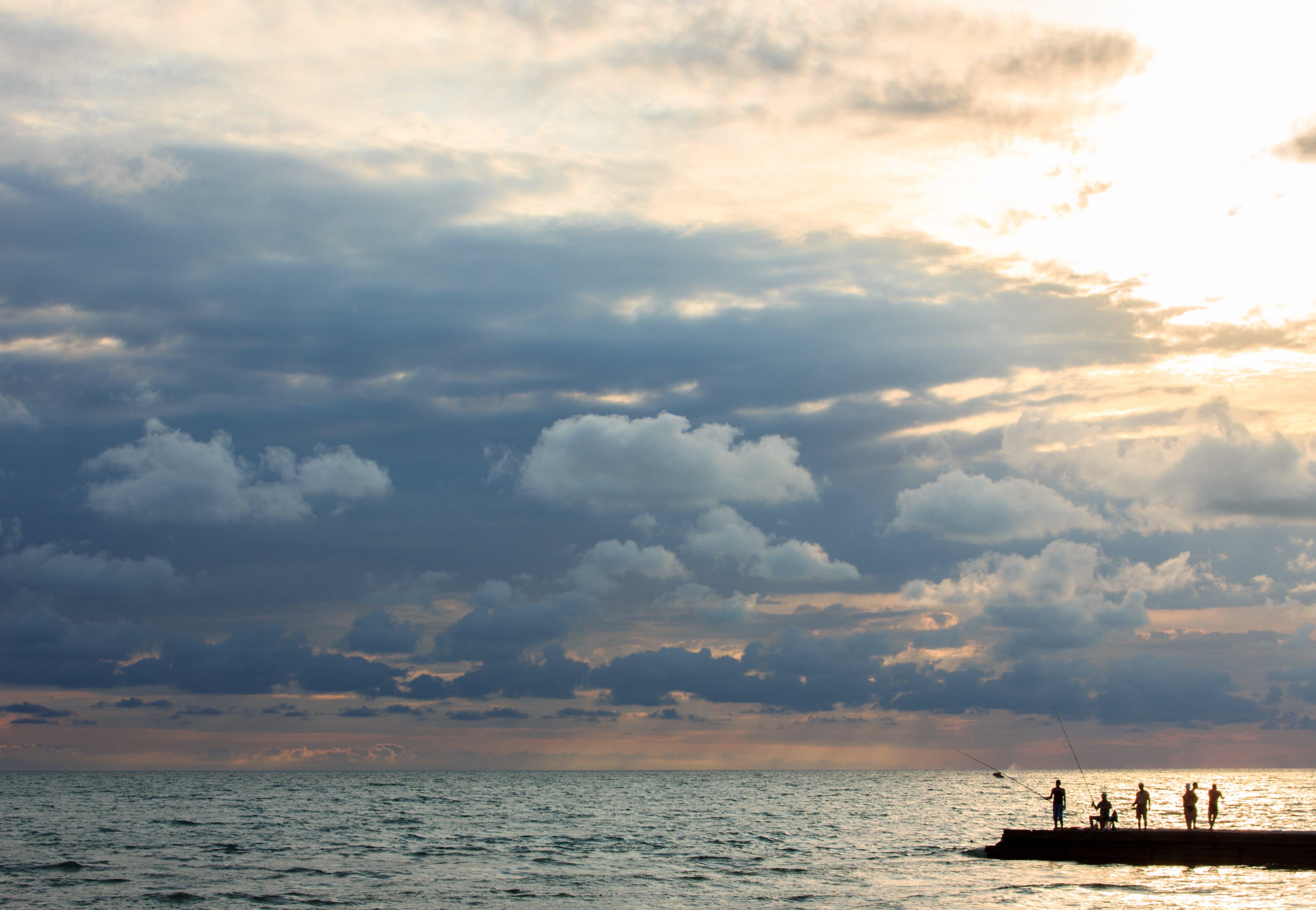 Fotobanka sbezplatnými fotkami na tému dok, horizont, idylický, krajina pri mori