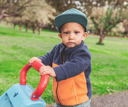 Δωρεάν στοκ φωτογραφιών με αγόρι, αξιολάτρευτος, απόλαυση