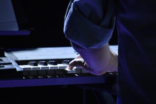 Δωρεάν στοκ φωτογραφιών με ζωντανή μουσική, κλασική μουσική, πιανίστας