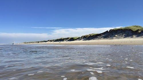 Darmowe zdjęcie z galerii z d¤¤arkark, piasek, pływanie, surfing