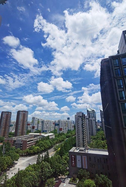 Бесплатное стоковое фото с воскресенье, город, облака