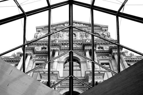 Gratis stockfoto met louvre museum, zwart en wit, zwart wit