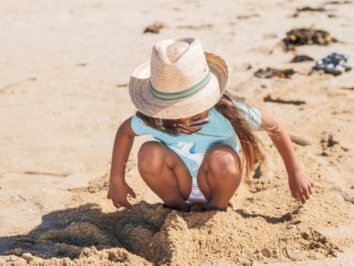 Gratis lagerfoto af barn, kyst, nuttet