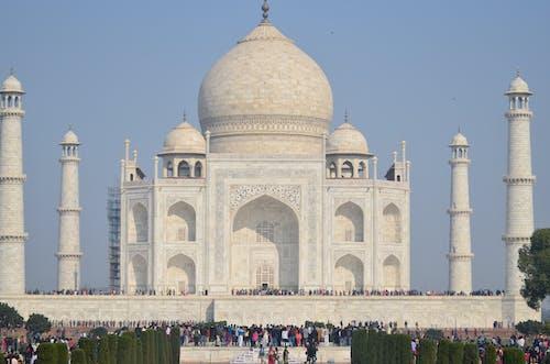 Amazing Taj Mahal under Clear Blue Sky