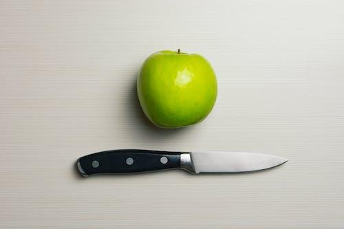 Darmowe zdjęcie z galerii z apple, jabłko, jedzenie, narzędzie tnące