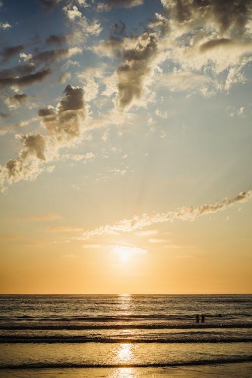 Foto stok gratis air, awan, cairan