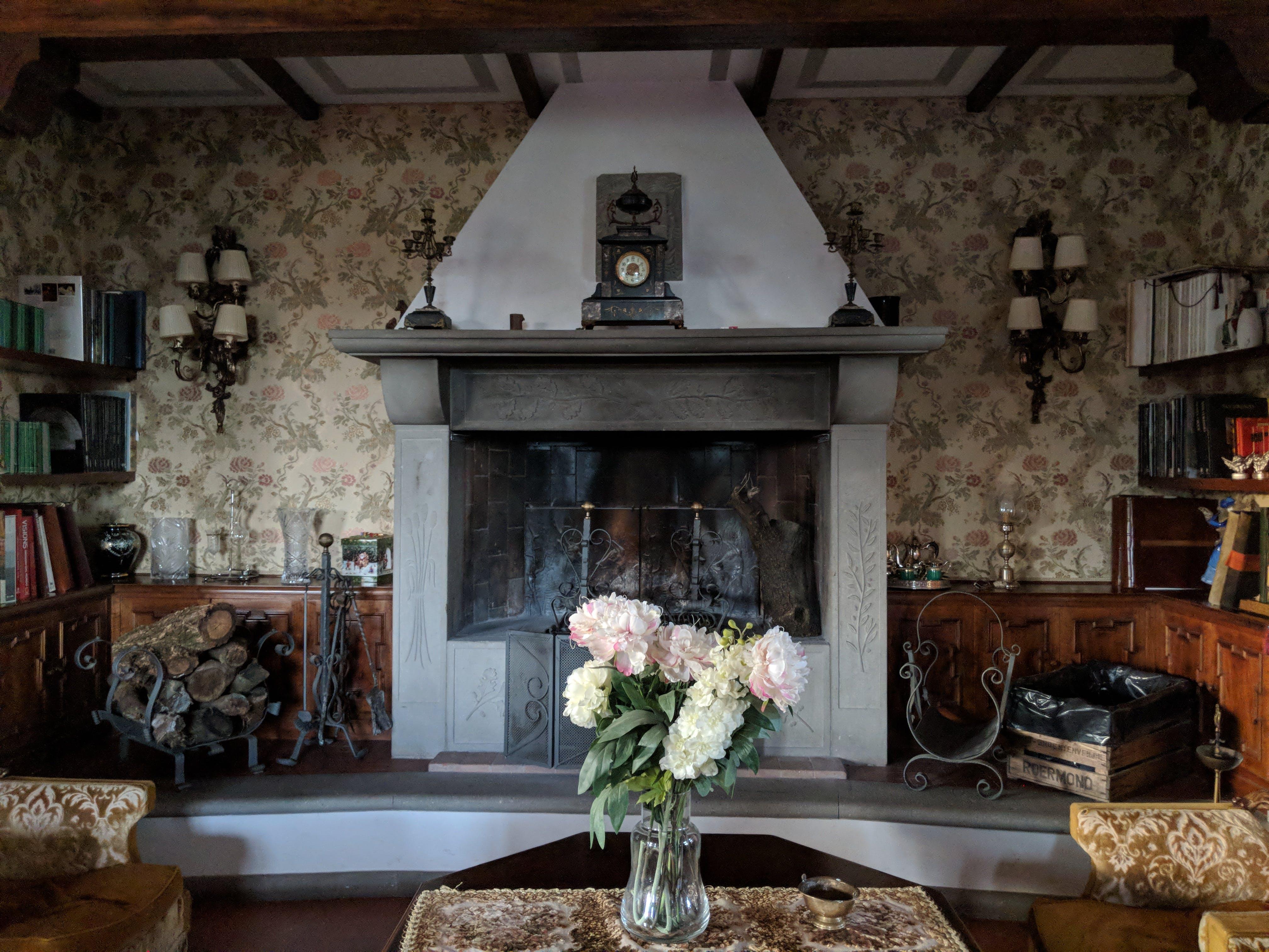 Free stock photo of wood, italian, flowers, books