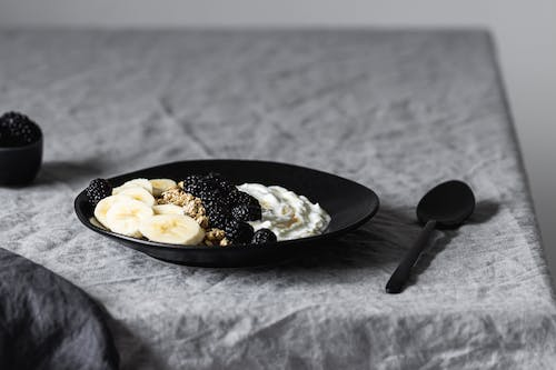 Black Ceramic Plate With Stainless Steel Spoon