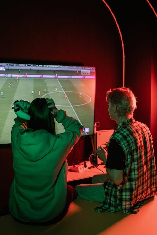 Fotos de stock gratuitas de amigos, consola de juego, controladores de juego