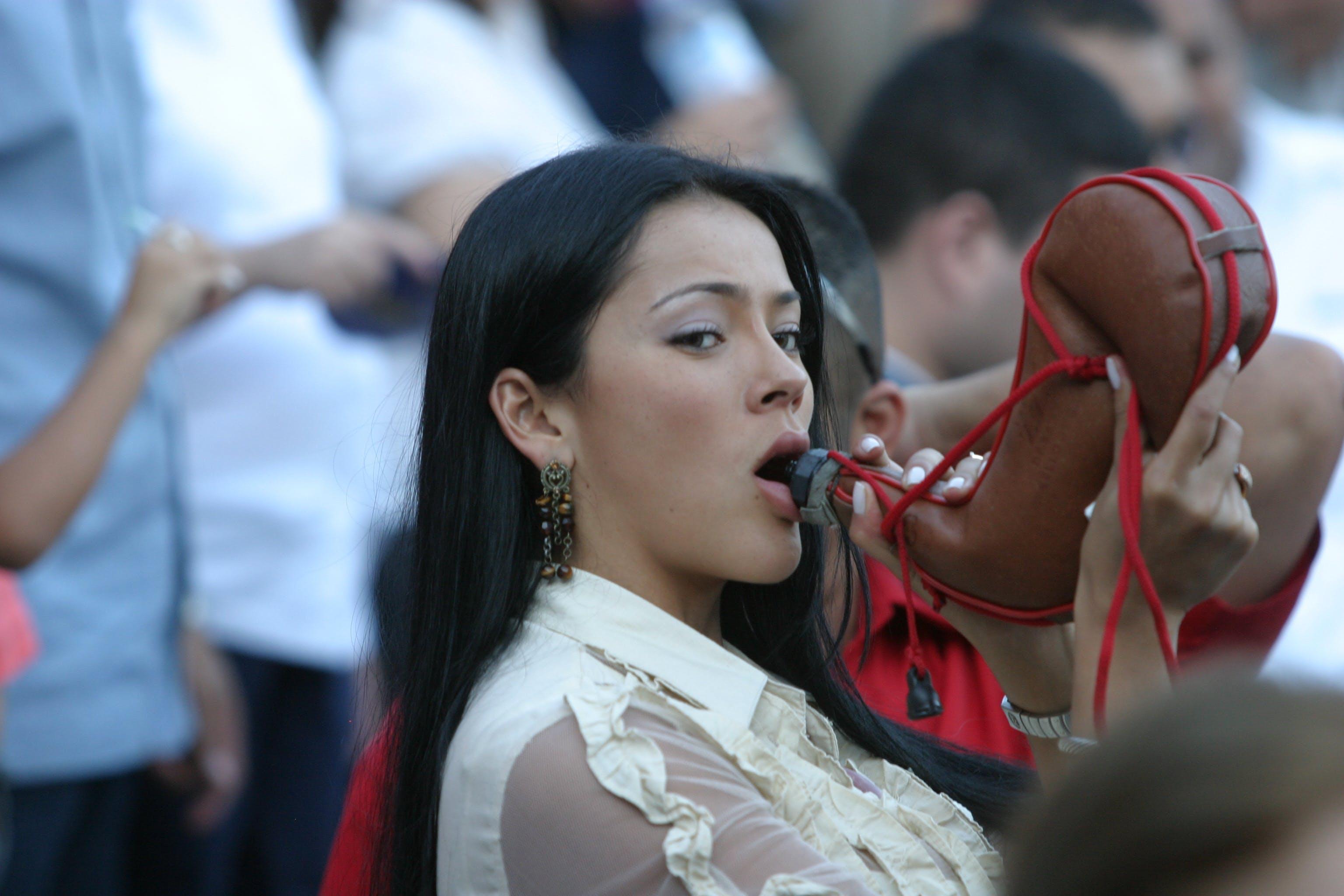 Free stock photo of Colombian, drinking, latina
