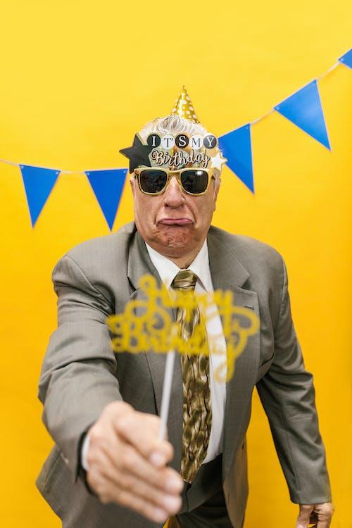 Gratis lagerfoto af ældre mand, ansigtsudtryk, begivenhed