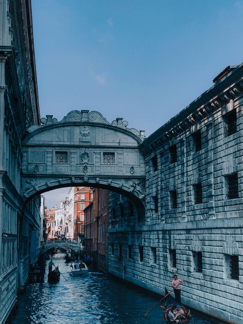 Ilmainen kuvapankkikuva tunnisteilla arkkitehtuuri, gondoli, ihmiset