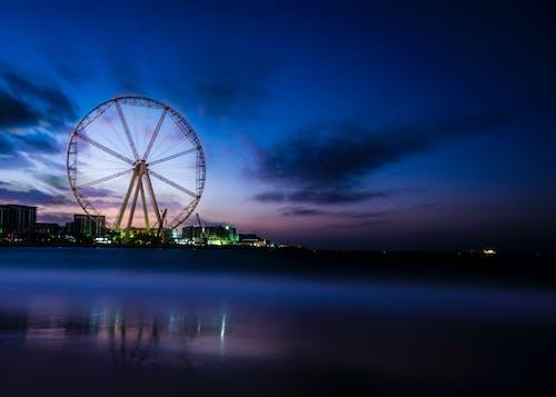 Бесплатное стоковое фото с вечер, вода, город, ездить