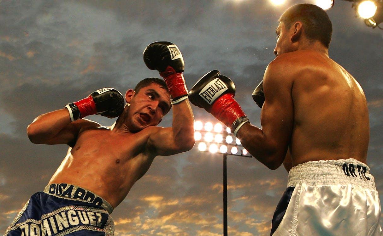 2 Men Boxing
