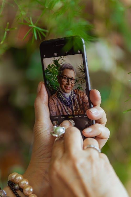 iPhone, 圖片, 女性 的 免費圖庫相片