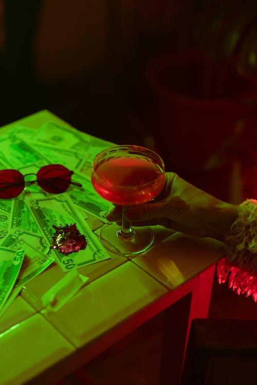 Бесплатное стоковое фото с алкоголь, алкогольный напиток, блестки