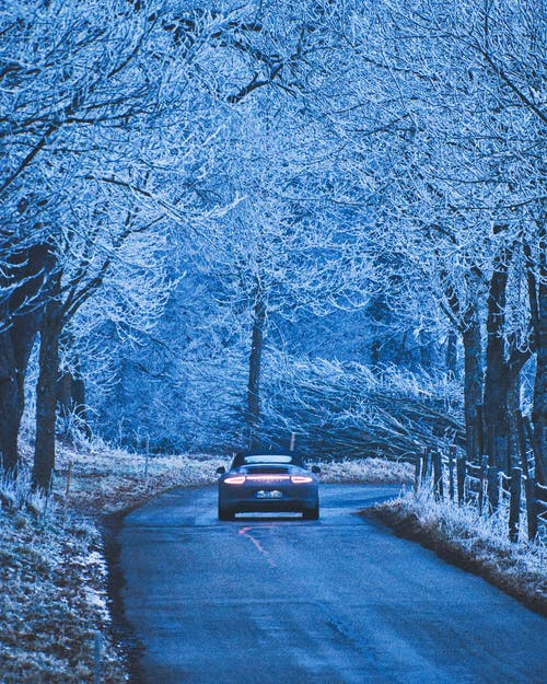 araba, araç, kış içeren Ücretsiz stok fotoğraf