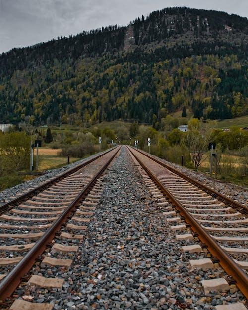 dağlar, kahverengi, pas içeren Ücretsiz stok fotoğraf