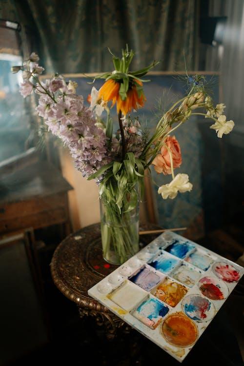 Kostenloses Stock Foto zu blatt, blume, blumen in der vase