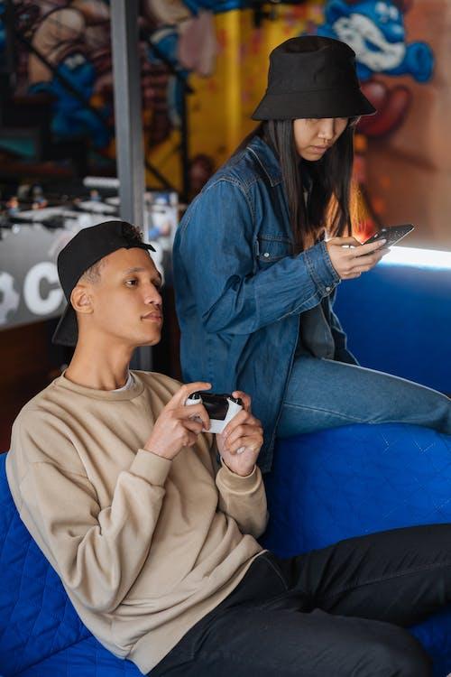 Fotos de stock gratuitas de gamepad, gente asiatica, hombre